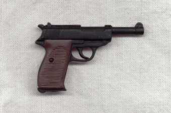 Walther_P_38_2.jpg (17318 bytes)
